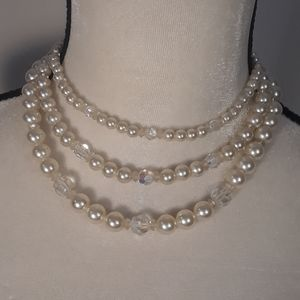 Jewelry - Vintage Pearl Choker Necklace w/Borealis beads